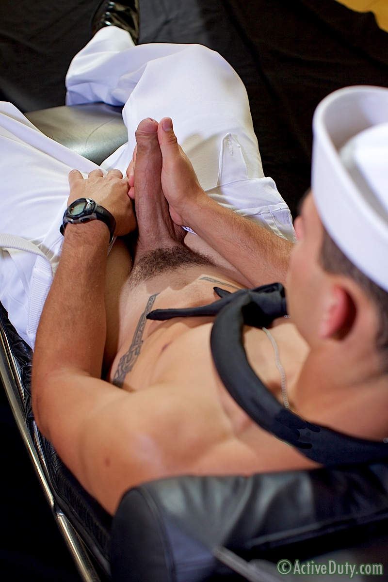 ActiveDuty-Bric-Sailor-Jerking-His-Big-Uncut-Cock-Masturbation-Amateur-Gay-Porn-07 Real Amateur Navy Sailor Rubs One Out Of His Big Uncut Cock