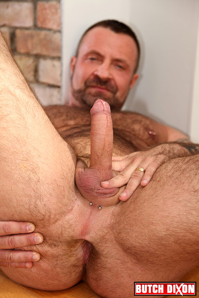 Butch-Dixon-Marc-Angelo-Muscle-Bear-Masturbating-Big-Uncut-Cock-Amateur-Gay-Porn-02 Hairy Canadian Muscle Daddy Bear Strokes His Big Uncut Cock
