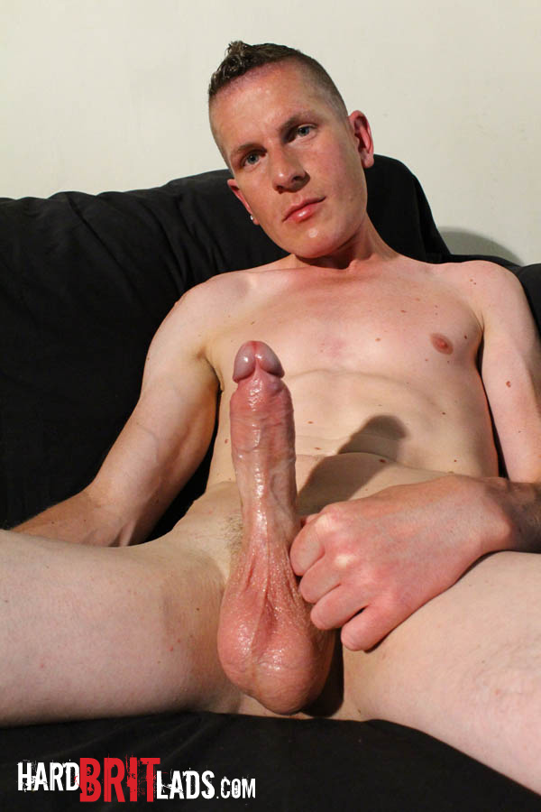 Amateur gay dude fucked by 2 strapons