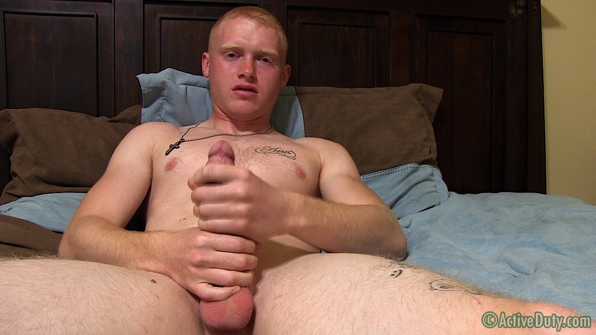 straight amateur jerks his cock