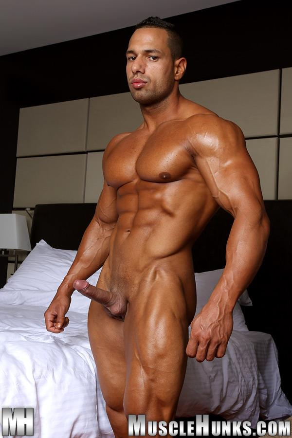 MuscleHunks-Cosmo-Babu-Naked-Bodybuilder-Stroking-A-Huge-Cock-Amateur-Gay-Porn-09 Huge Professional Bodybuilder Shows And Strokes His Huge Cock