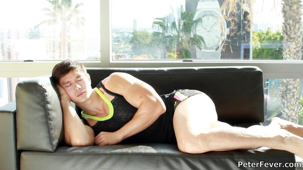 Peter-Fever-Peter-Le-Muscular-Naked-Chinese-Guy-With-Big-Uncut-Cock-Amateur-Gay-Porn-01.jpg