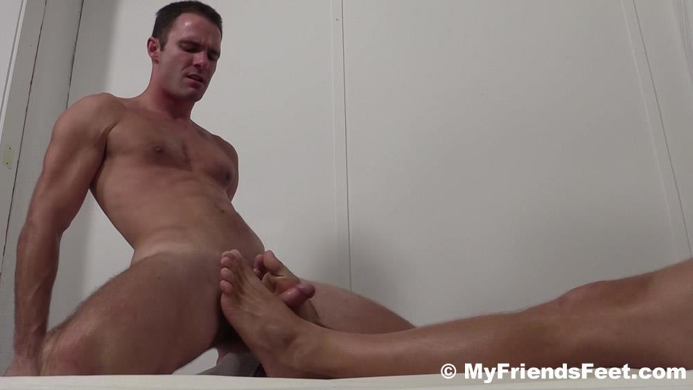My-Friends-Feet-Sebastian-Young-and-Cameron-Kincade-Male-Feet-Worship-Fetish-Amateur-Gay-Porn-18 Sebastian Young Gets His Feet Worshipped While He Jerks Off