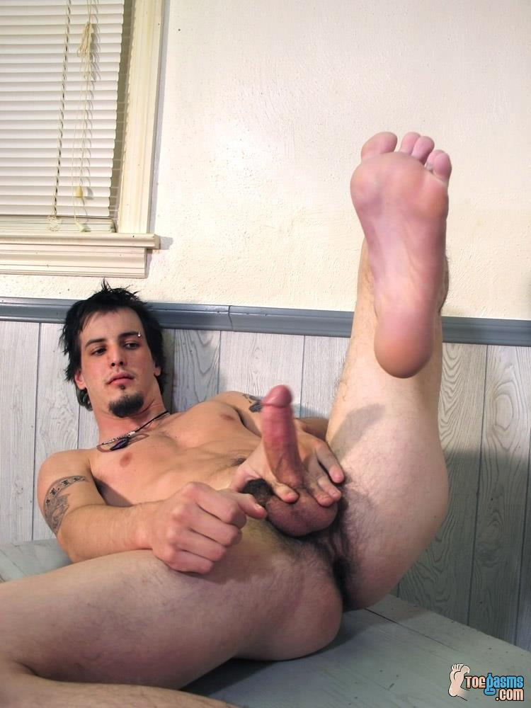 Toegasms Axel Straight Skater Jerking Off Playing With Feet Amateur Gay Porn 09 Straight Skater Jerks His Hairy Dick And Plays With His Feet