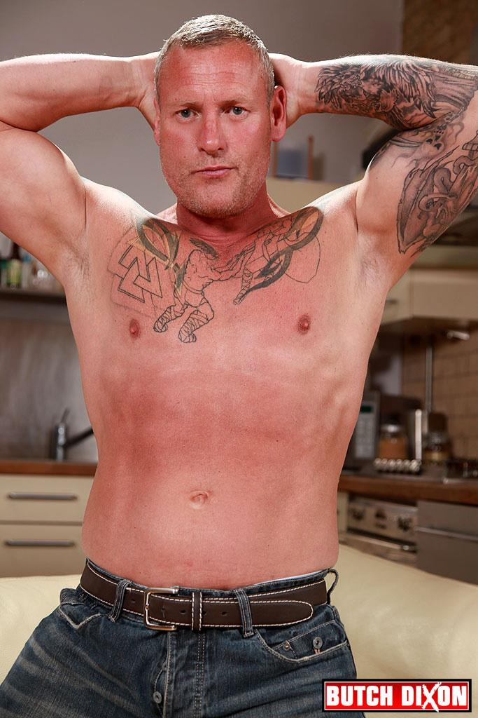 Butch-Dixon-Big-T-British-Muscle-Daddy-With-A-Big-Uncut-Cock-Amateur-Gay-Porn-01.jpg