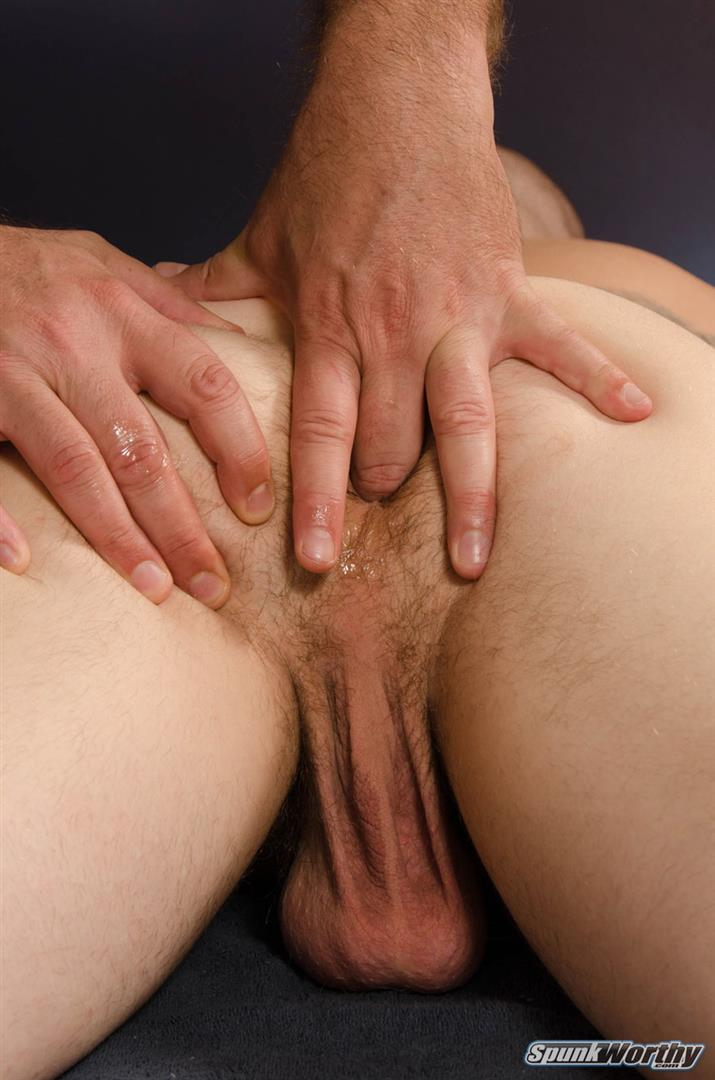 Straight Dude Drilling Masseurs Asshole