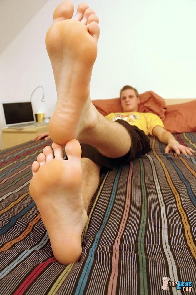Toegasms Honza Twink With Big Uncut Cock Foot Fetish Amateur Gay Porn 07 Foot Fetish Twink Jerks A Load on His Feet From His Big Uncut Cock