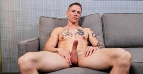 ActiveDuty-Guy-Houston-Naked-Army-Guy-Jerking-Off-Amateur-Gay-Porn-08.jpg