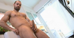 Maskurbate-Muscle-Hunk-With-A-Big-Uncut-Cock-Jerking-Off-Amateur-Gay-Porn-12