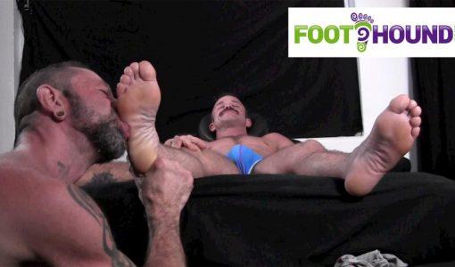 Foot-Hound-Marky-Sparks-Foot-Worship-Cum-Free-Gay-Porn-13.jpg