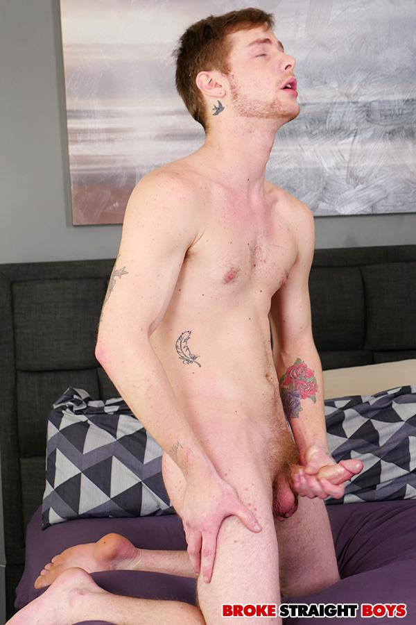 Broke-Straight-Boys-Charlie-Maddoxx-Straight-Chicago-Boy-Jerking-Off-10 Chicago Straight Boy Auditions For Gay Porn And Jerks Off