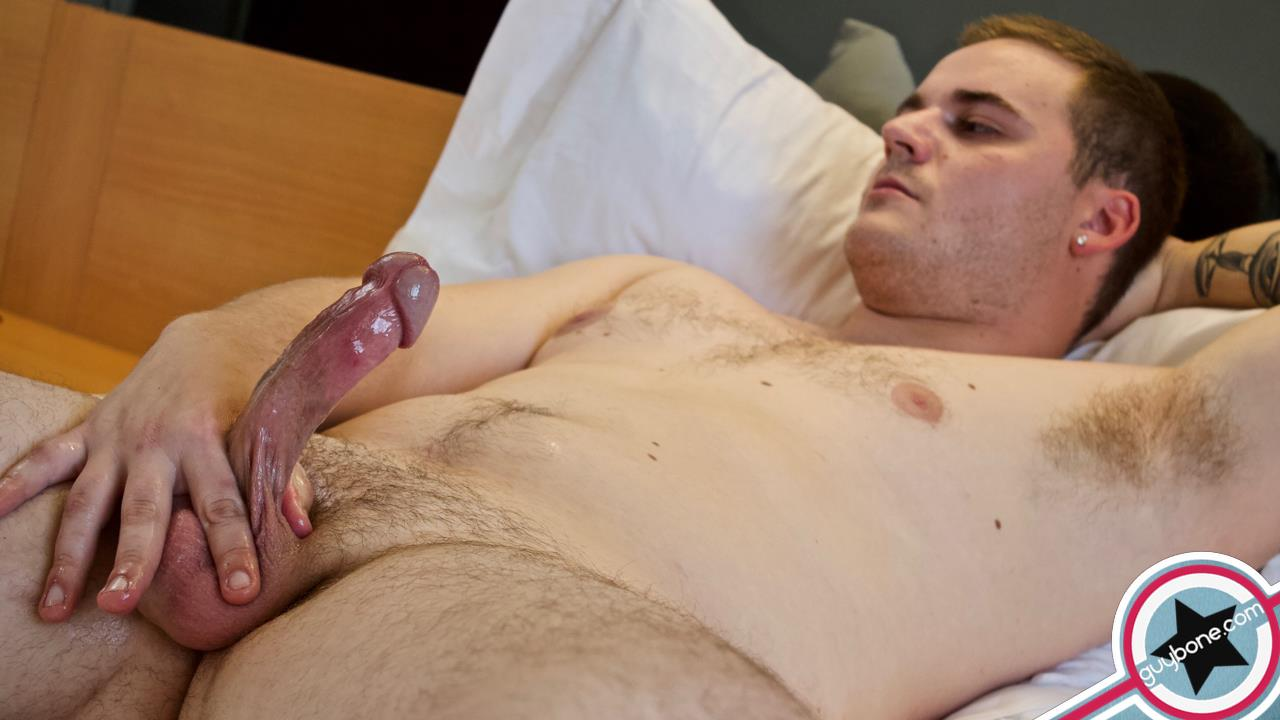 Guy-Bone-Brax-Bailey-Beefy-Guy-Jerking-Off-Huge-Cum-Shot-08 Beefy Boy Auditions For Gay Porn And Shoots A Huge Load Of Jizz